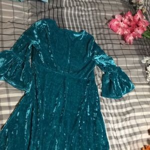 wonder nation Dresses - NWOT Girls teal velvet dress